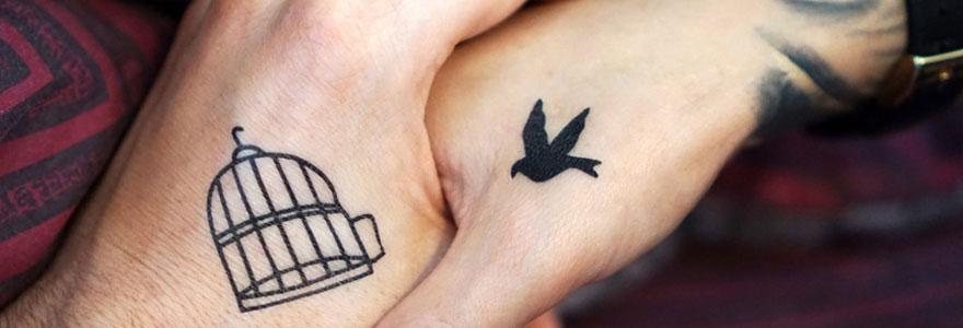 Tatouage sur les mains